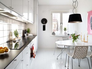 Scandinavian-kitchen-space-with-dining-table